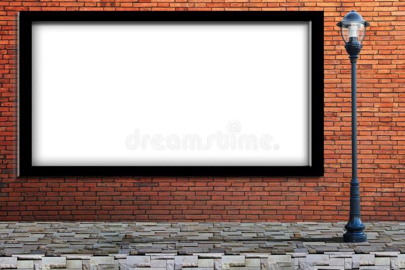 Latarni ulica, pusty billboard na ściana z cegieł fotografia stock
