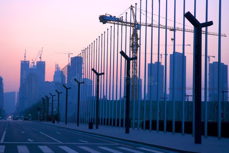 Latarni ulicznej i Flagpole rząd zdjęcie stock