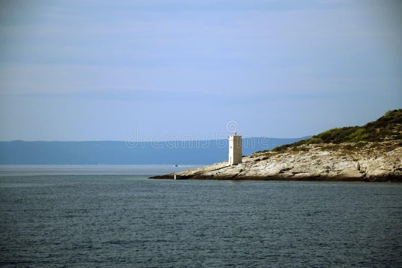 Latarnia morska przy BraÄ  wyspą, Chorwacja zdjęcie stock