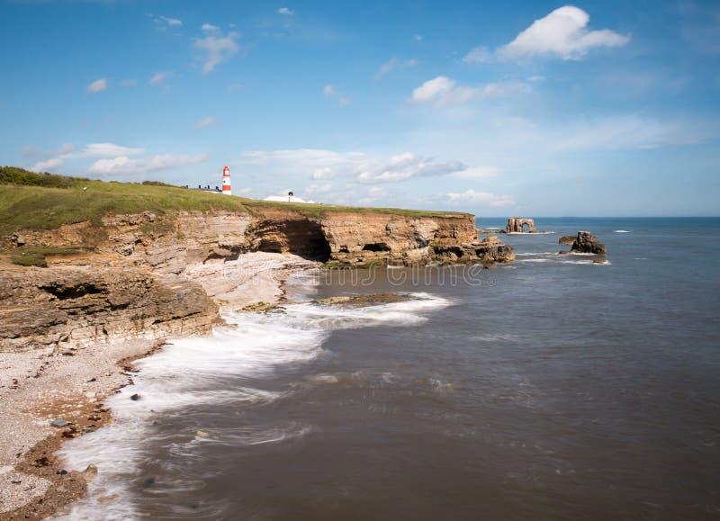 Latarnia morska przy Whitburn, Sunderland linia brzegowa obraz stock