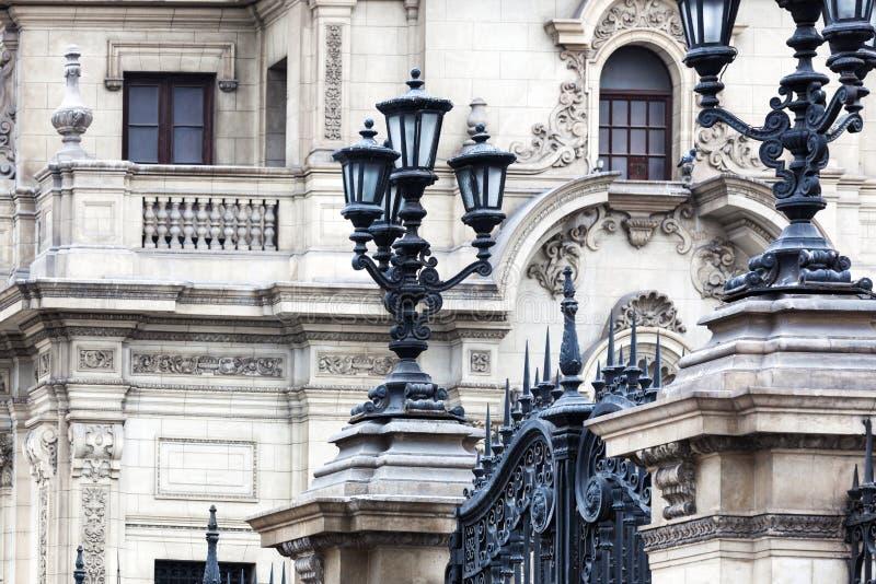 Latarnie uliczne przy prezydenckim pałac fotografia royalty free