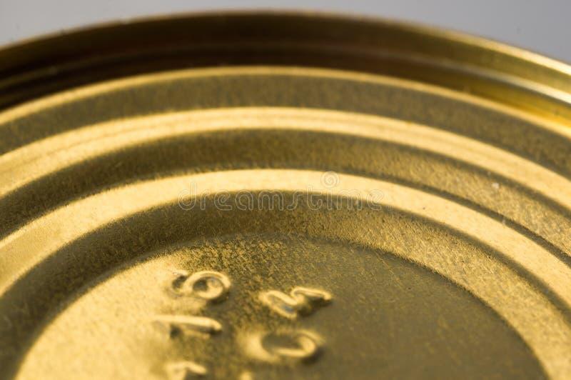 Latas amarillas de la comida imágenes de archivo libres de regalías