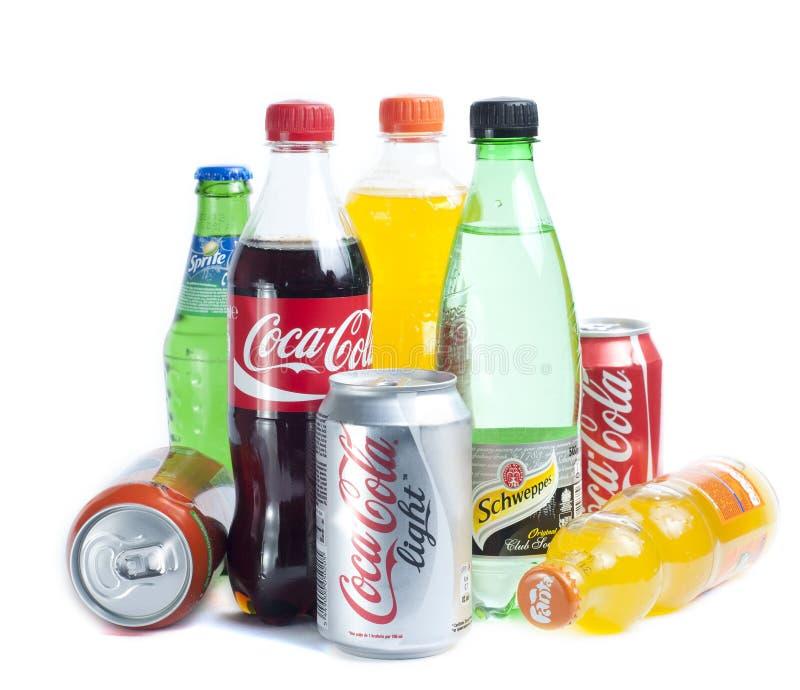 Latas con las bebidas imagen de archivo libre de regalías