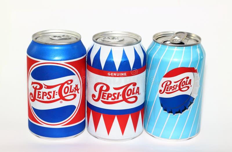 Latas de aluminio Pepsi-Cola foto de archivo libre de regalías