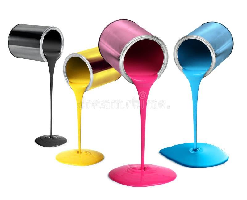Latas de lata do metal que derramam a pintura da cor do cmyk imagens de stock