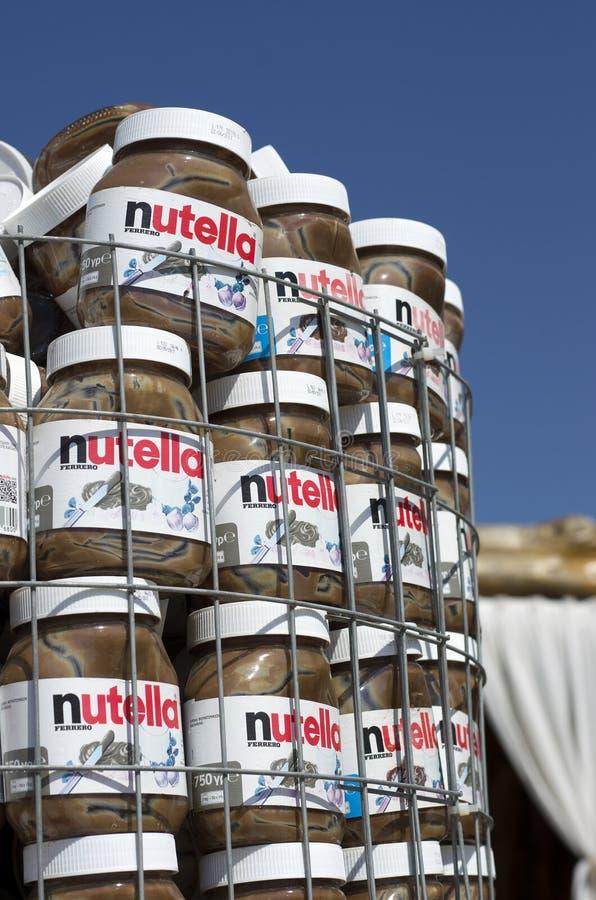 Latas vazias da pasta do chocolate do tipo mundialmente famoso imagem de stock
