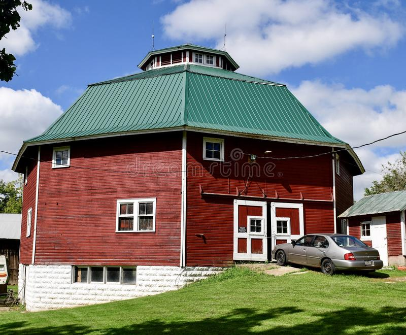 Gilley-Tofsland Octagonal Barn #2. This is a late summer picture of the iconic Gilley-Tofsland Octagonal Barn, built in 1913, it is located in Porter, Wisconsin stock images
