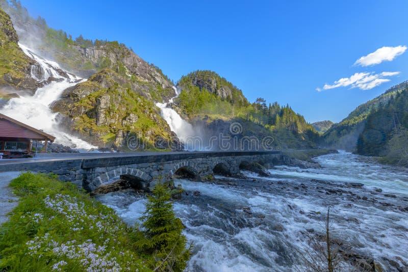 Latefossen Latefoss - waterval in Noorwegen royalty-vrije stock afbeelding