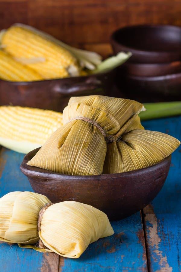 Lateinamerikanisches Lebensmittel Traditionelle selbst gemachte humitas von Mais stockfoto