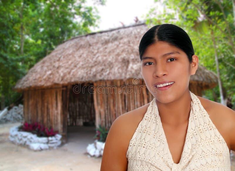 Lateinisches hispanisches Mayafrauenportrait stockbilder