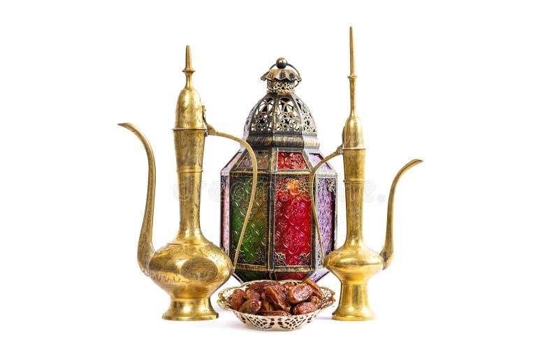 Laterne und arabischer goldener Krug Oriiental-Feiertagsdekoration stockbild