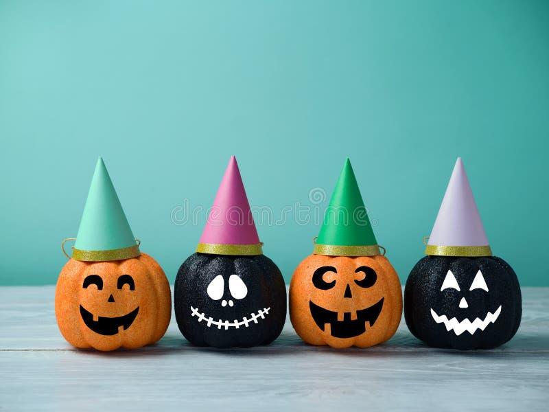 Laternendekor der Halloween-Funkelnkürbissteckfassung O lizenzfreie stockfotos