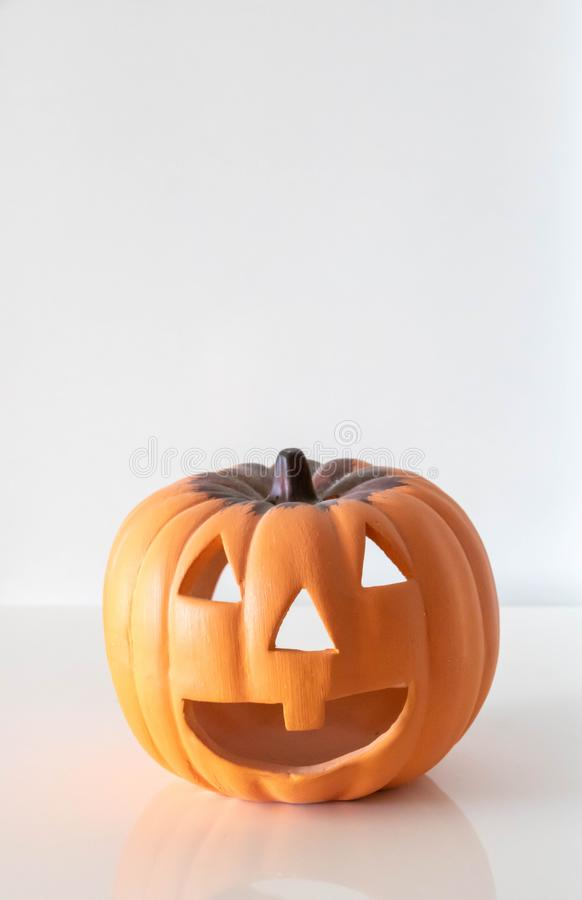 Laternenkürbis Jacks O gegraben für Halloween stockfotos