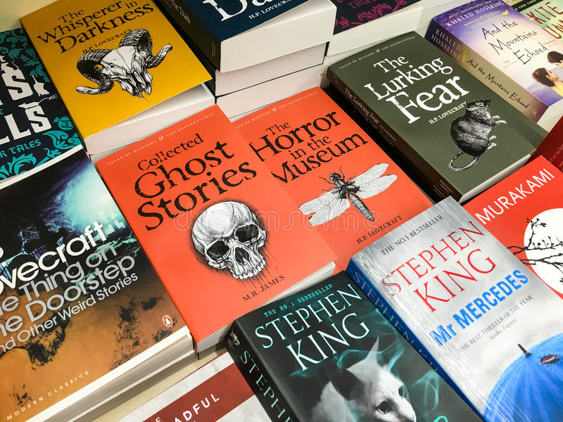 Latest English Famous Novels For Sale In Library Book Store stock photography