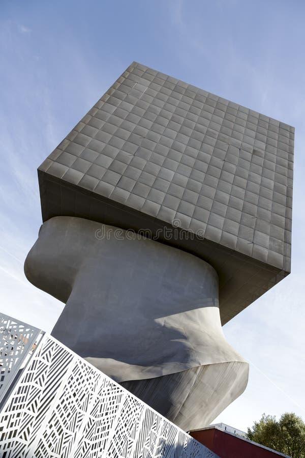LaTete Carree skulptur, Nice, Frankrike arkivbilder