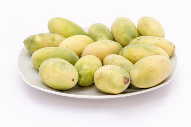 Latijns-Amerikaans fruit genoemd banaan passionfruit (lat Passiebloemtripartita) (in Spaanse meestal tumbo, curuba, taxo royalty-vrije stock afbeelding