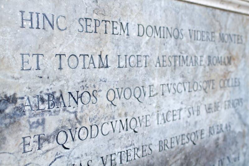 Latijns manuscript stock afbeeldingen