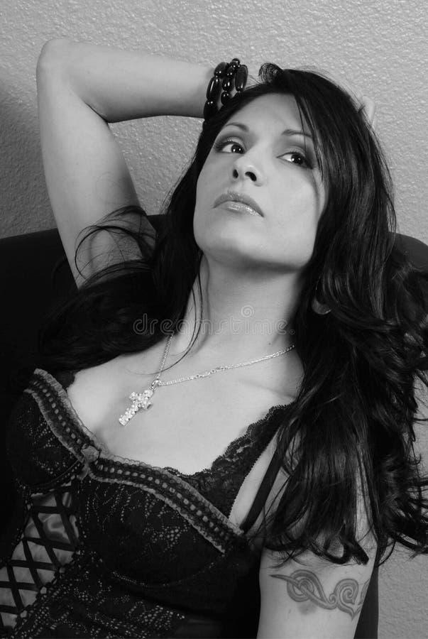 Latina atractiva fotografía de archivo libre de regalías