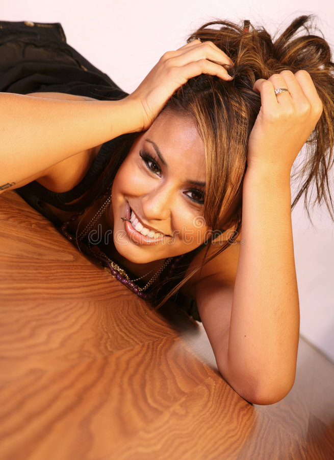 Latina feliz bonito foto de stock