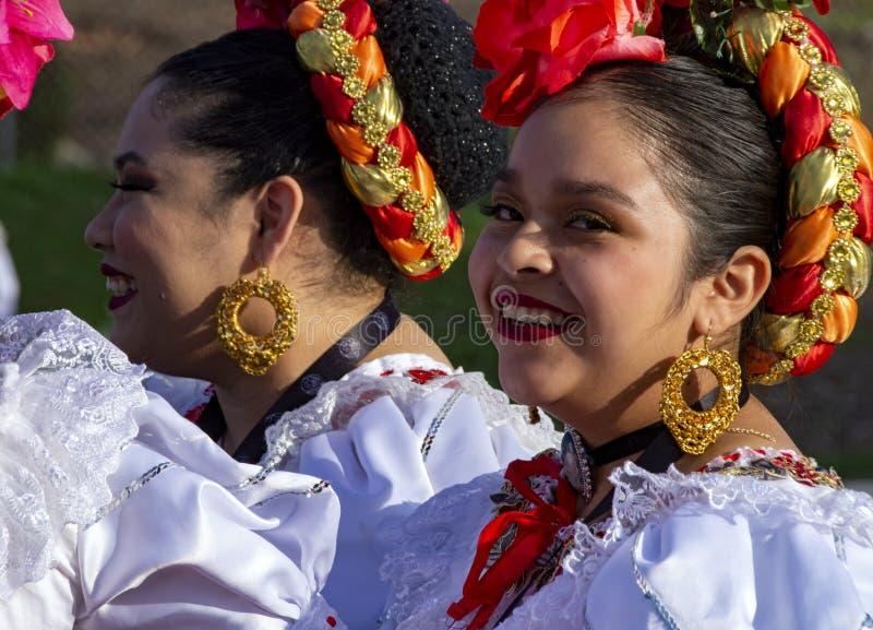 Latina participante da Parada Pasadena Rose imagens de stock royalty free