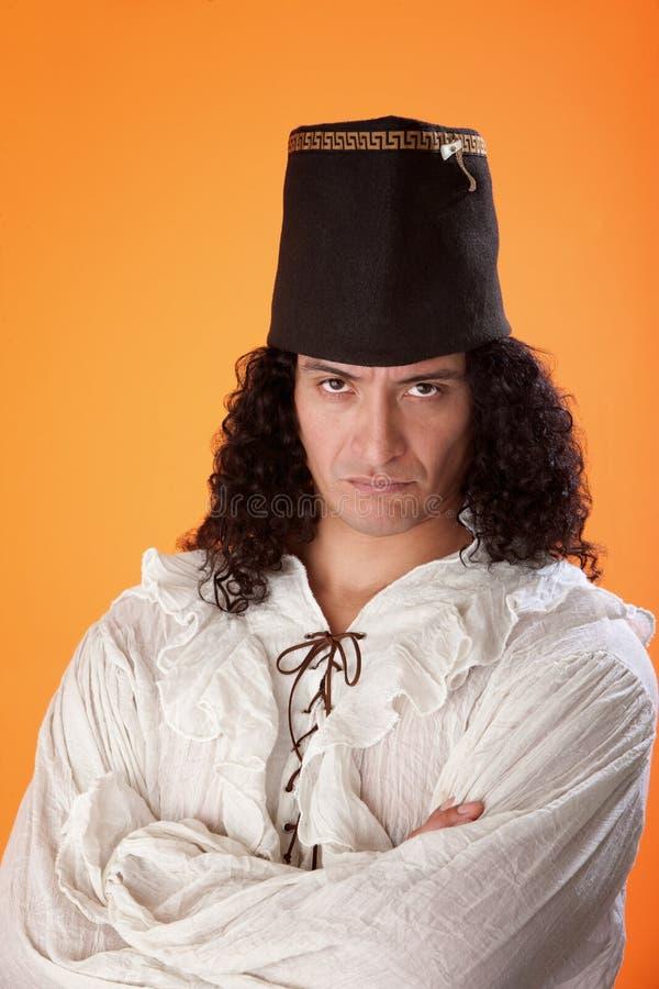 Latino-Mann im traditionellen Kleid lizenzfreies stockfoto