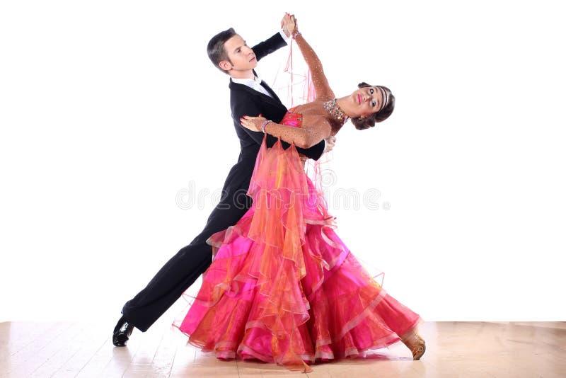 Latinotänzer im Ballsaal stockfoto