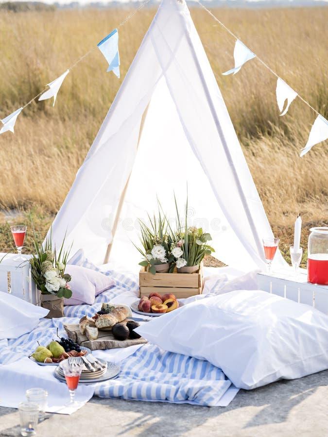 Lato campingowa scena zdjęcie stock