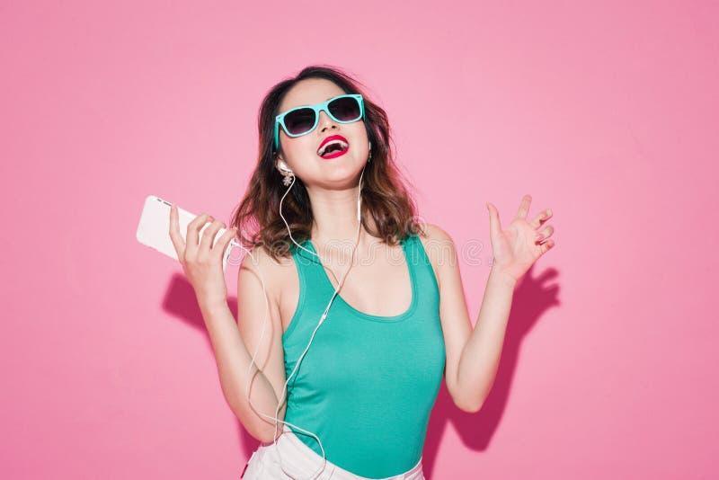 Lato dama Piękna azjatykcia dziewczyna z fachowym makeup obrazy royalty free