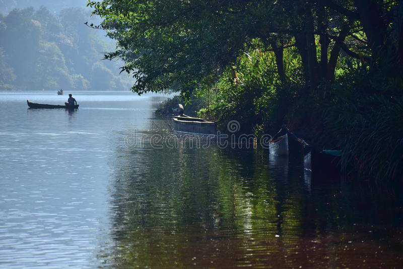Lato del fiume immagine stock