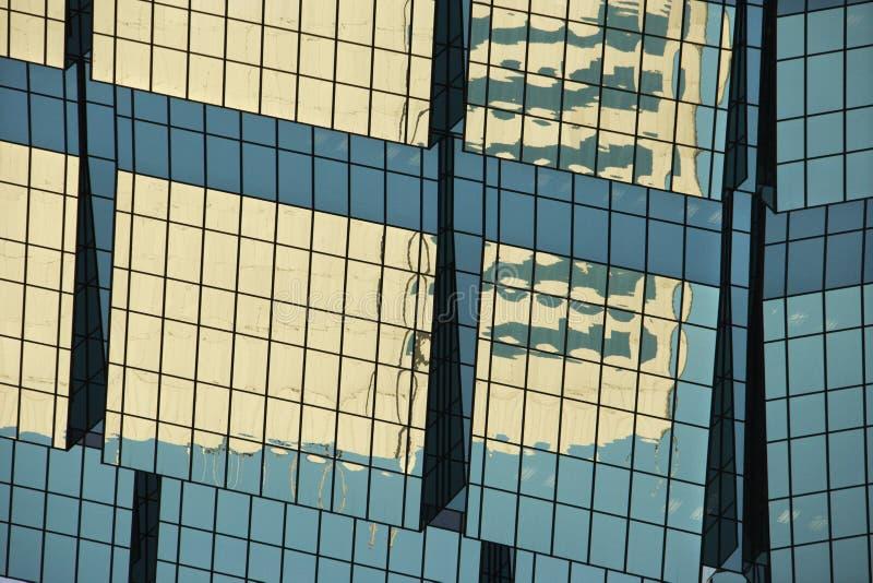 Lato di costruzione urbana. fotografia stock libera da diritti