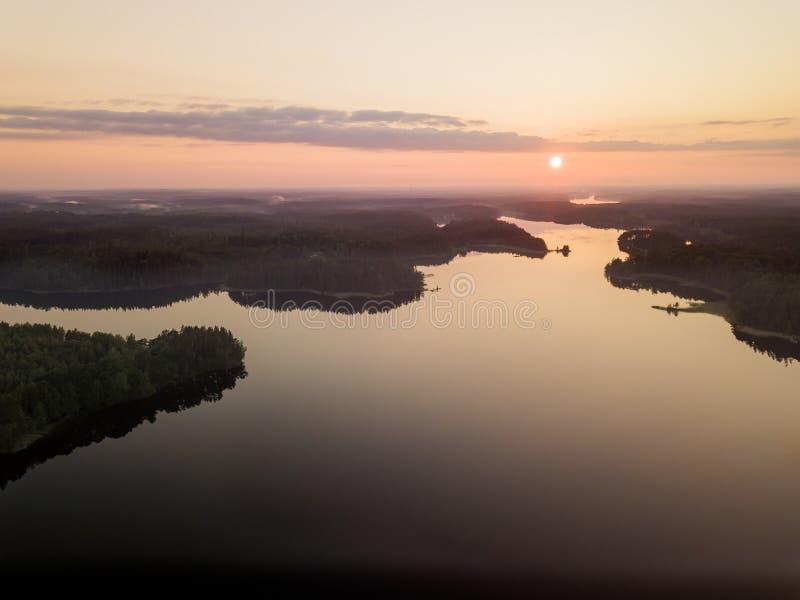 Lato jeziora zmierzch zdjęcia stock