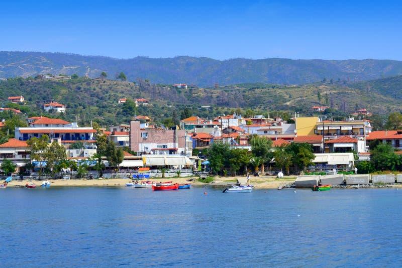 Lato kurortu wioski plaża Grecja zdjęcia royalty free