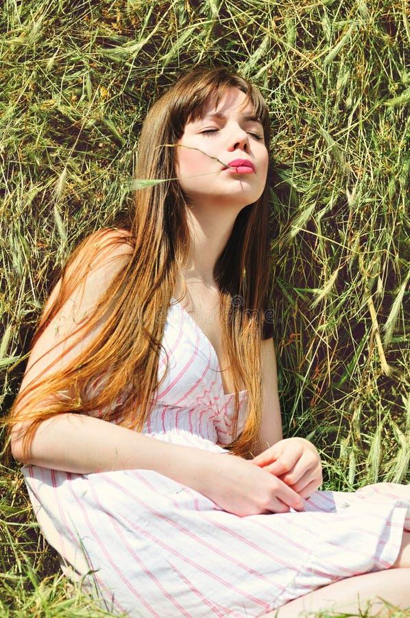 Lato młoda kobieta obrazy royalty free