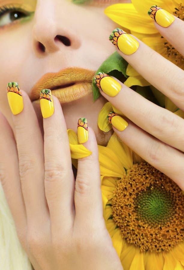 Lato manicure i zdjęcie stock
