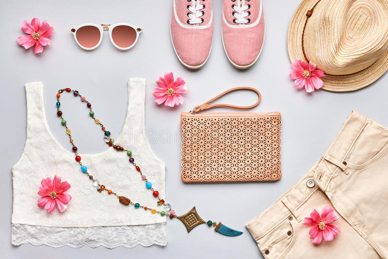 Lato mody dziewczyny ubrań elegancki set overhead obraz royalty free