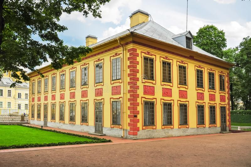 Lato pałac Peter Wielki w lato ogródzie, St Petersburg, Rosja fotografia stock