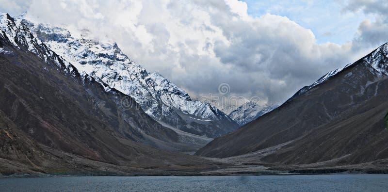 Lato Przychodzi Wkrótce | Saif ul Malook jezioro Azja zdjęcie stock