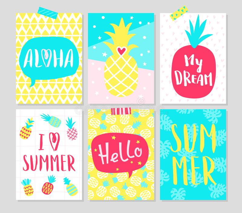 Lato ręki rysować karty z ananasami i typografią royalty ilustracja