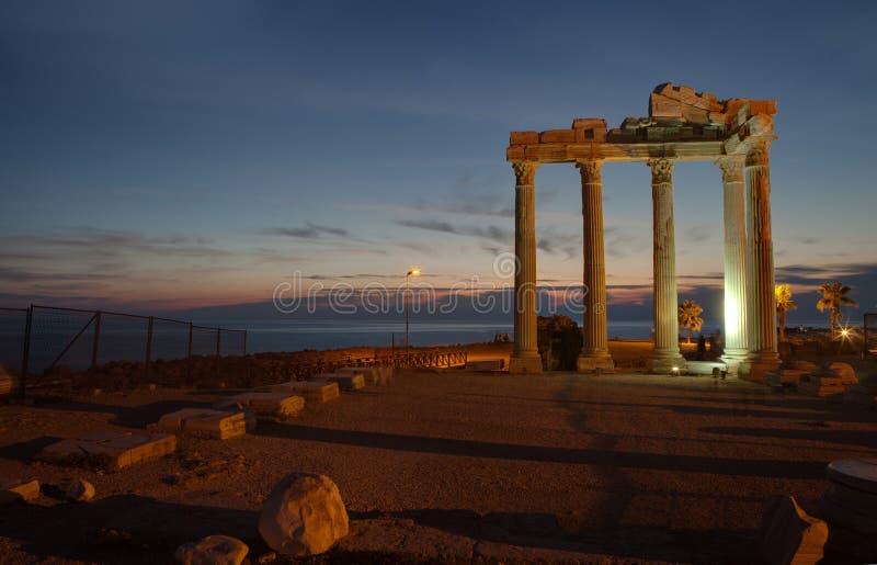 Lato, Turchia - rovine del tempio di Apollo alla città Mediterranea antica della costa fotografia stock libera da diritti