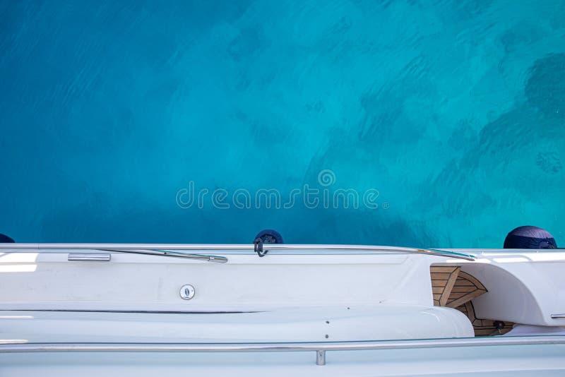 Lato turkusowy kryształ - jasna woda blisko Aponissos plaży, Agistri wyspa, Saronic zatoka, Grecja Fotografia brać od fotografia royalty free