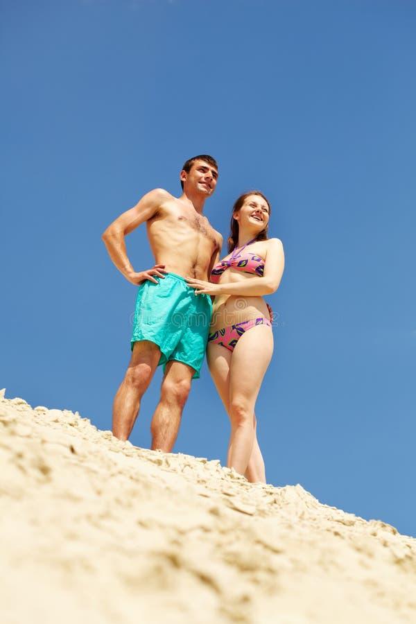 Download Lato widok obraz stock. Obraz złożonej z mężczyzna, kochanek - 28968115