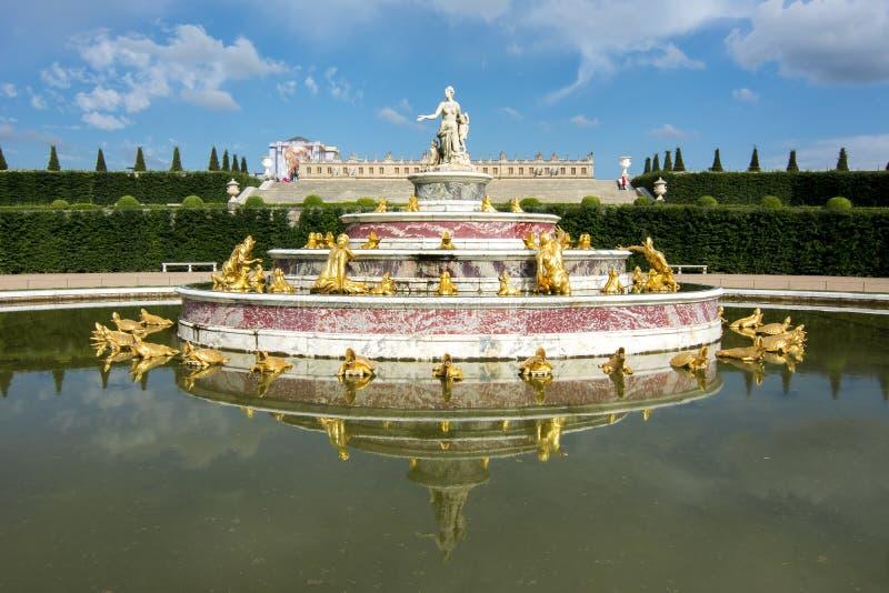 Latona-Brunnen in Versailles-Gärten, Frankreich lizenzfreies stockbild