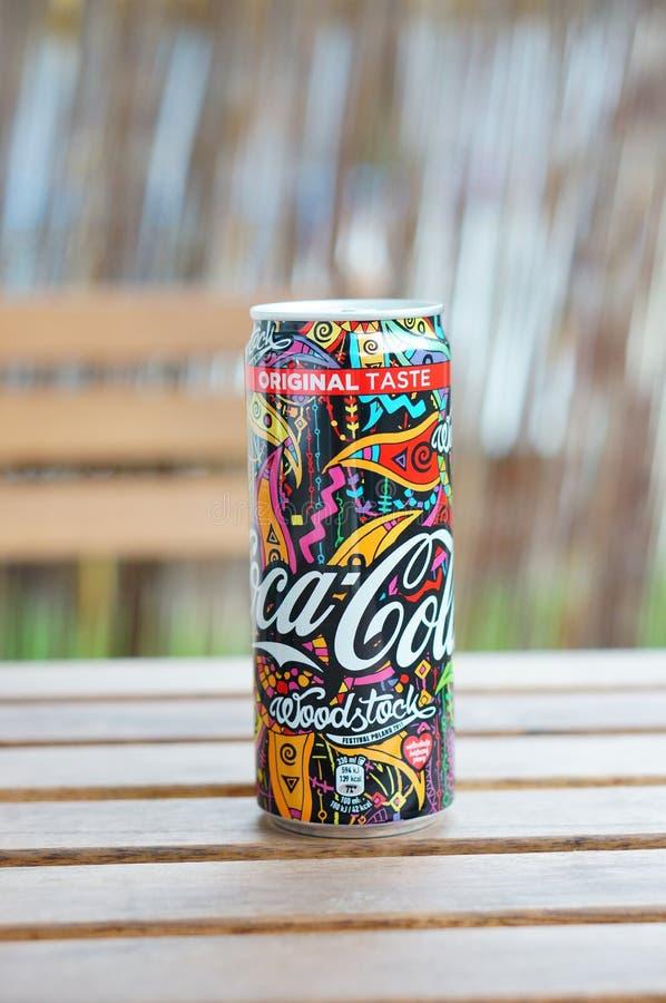 Latta della coca-cola immagini stock