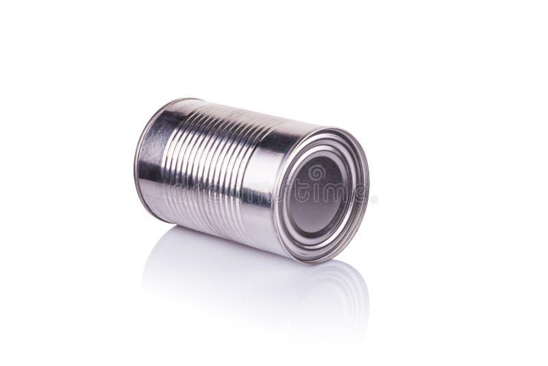 Latta di alluminio su un fondo bianco fotografia stock libera da diritti