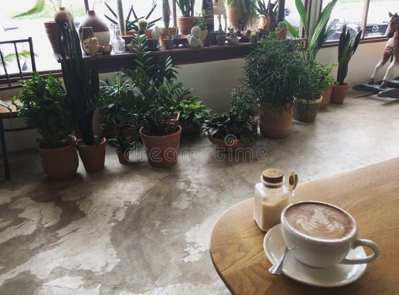 Latte σε αργά το απόγευμα στοκ εικόνες