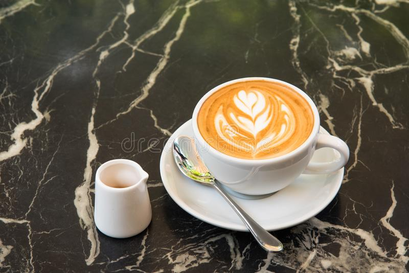 Latte Art Coffee imagen de archivo