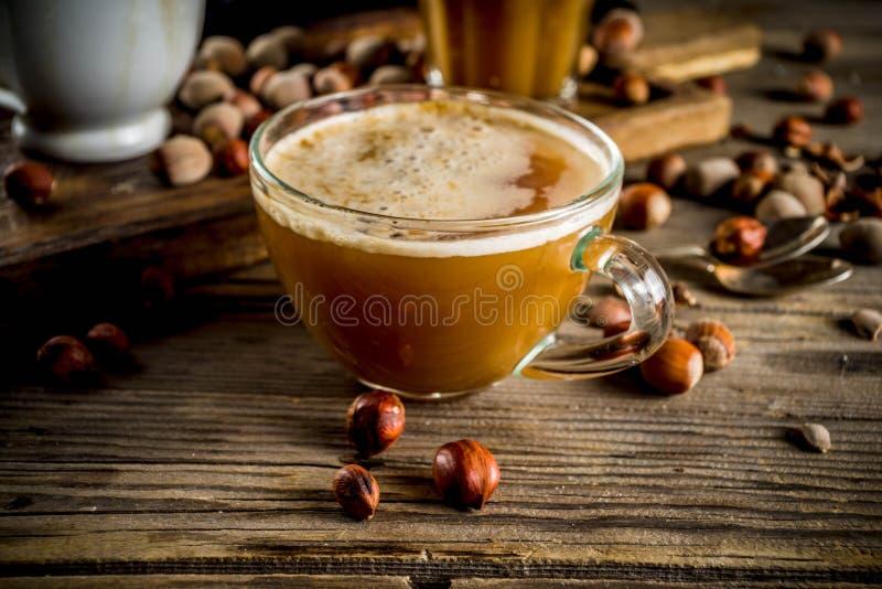 Latte casalingo del caffè della nocciola fotografia stock libera da diritti