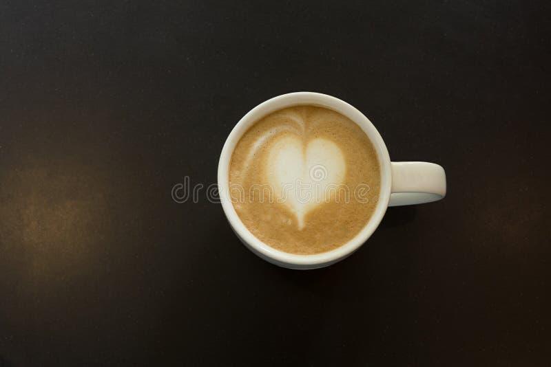 Download Latte chaud image stock. Image du fond, orientation, gourmet - 56485735