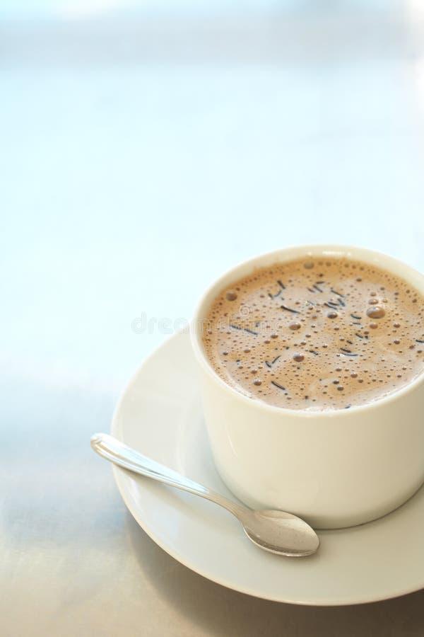 Latte de café dans la cuvette de café photo libre de droits