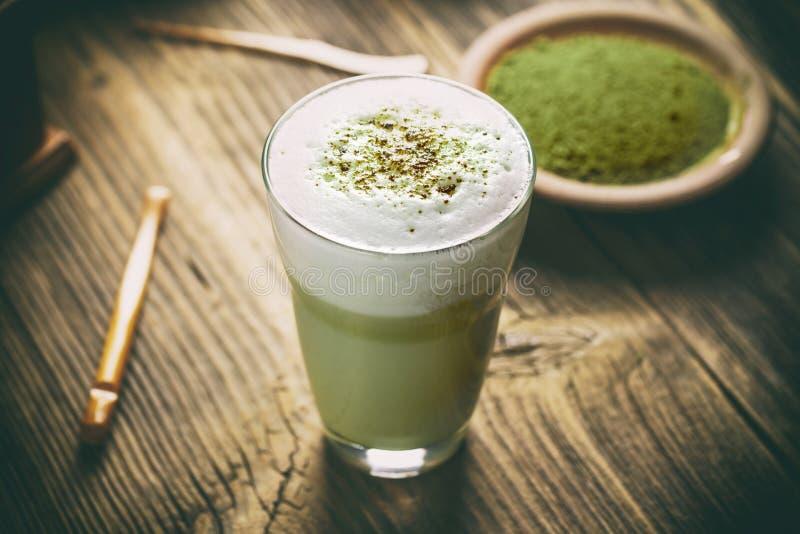 Latte del tè verde di Matcha fotografia stock libera da diritti